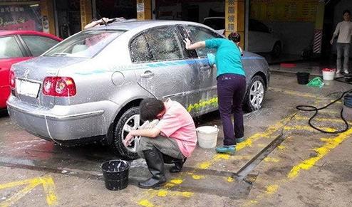 日常洗车都有哪些技巧?洗车工具该选哪种最好?