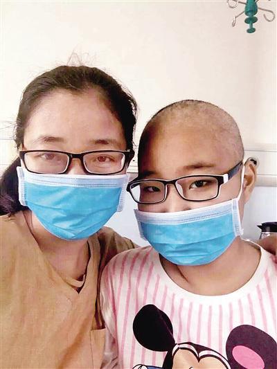 13岁少女患白血病 怕拖累父母跪求放弃自己