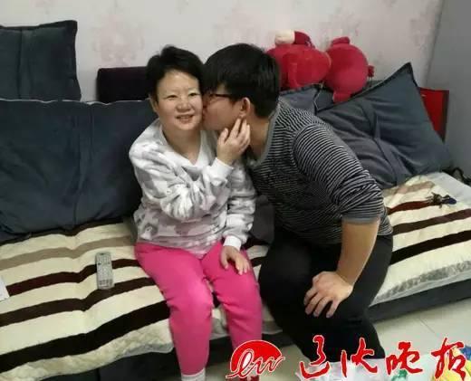 母亲癌症晚期求医无果 儿子查资料自己配药救母