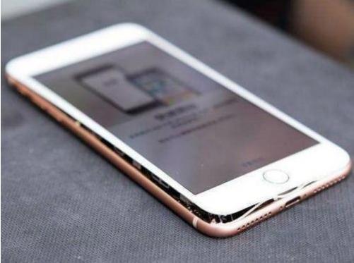 iPhone 8发生多起电池鼓包事件 苹果公司已着手调查