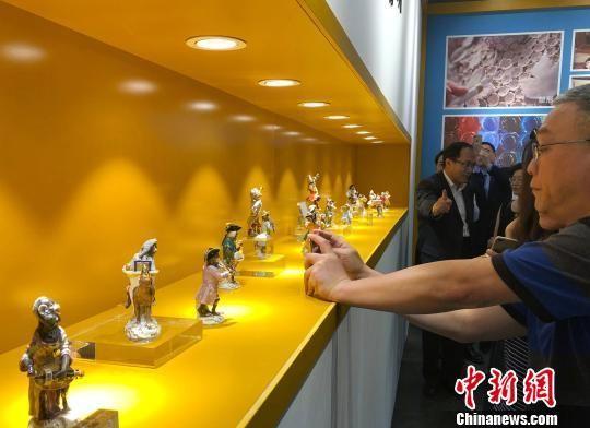 """故宫鼓浪屿外国文物馆再现""""国王的餐桌"""""""