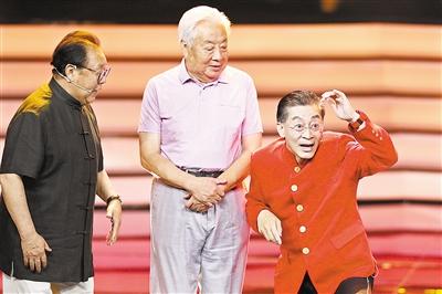 四大名著剧组首次同台忆往事 经典影视剧如何铸就?