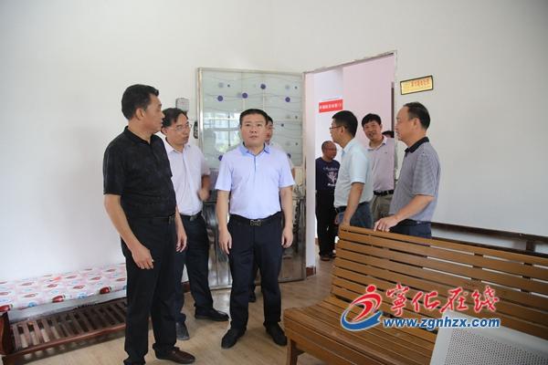 县委书记余建地到石壁镇调研指导居家养老工作