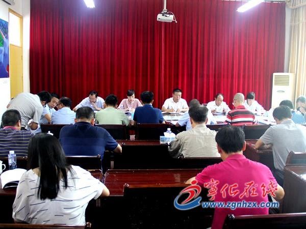 县委书记余建地调研城东中学改造提升工作