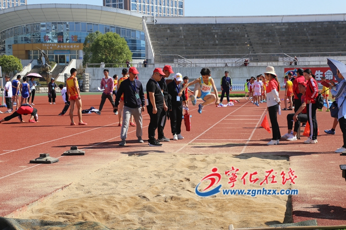 寧(ning)化縣第36屆(jie)中小學生田徑運(yun)動會閉幕(mu)