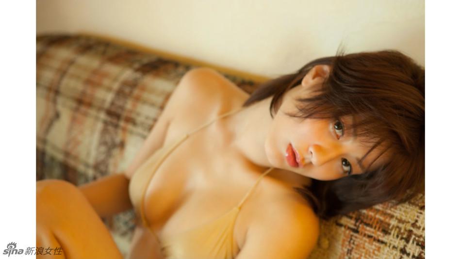 日本氧气美女杉本有美皮肤白皙性感俏皮