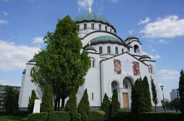 圆顶建筑,是传统的拜占庭式建筑风格