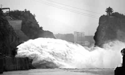 黄河潼关站现入汛以来最大洪水