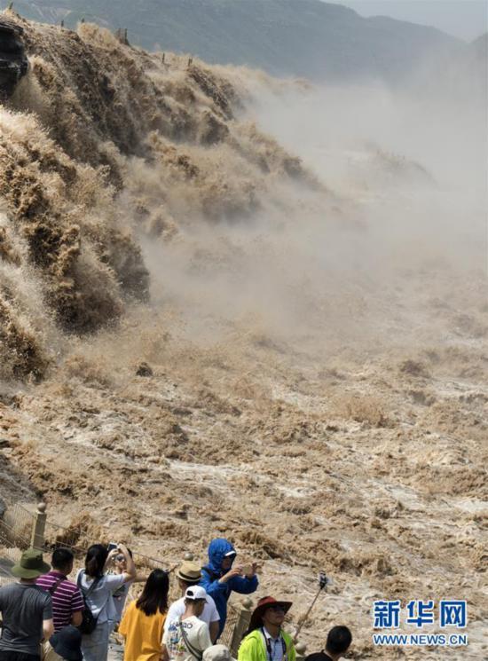 黄河壶口再现壮美瀑布群