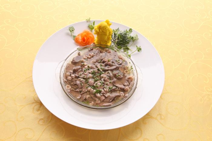 福建名小(xiao)吃︰豬肝小(xiao)腸湯