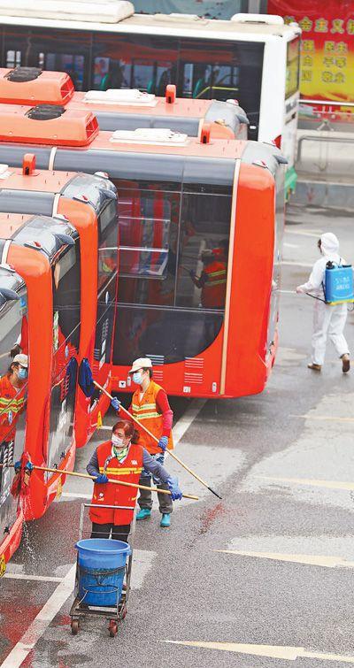 武漢117條公交線路(lu)恢復運營